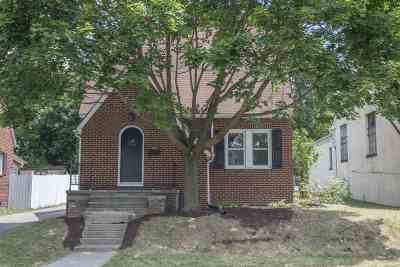 Single Family Home For Sale: 326 Chicago Ave