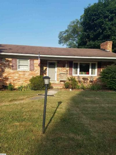 Augusta County Single Family Home For Sale: 1209 Hankey Mountain Hwy