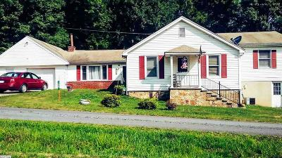 Augusta County Single Family Home For Sale: 60 Oak St