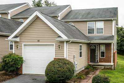 Townhome Sold: 223 Emerson Ln
