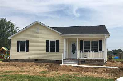 Rockingham County Single Family Home For Sale: 404 9th St