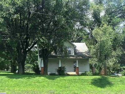 Augusta County Single Family Home For Sale: 2262 Stuarts Draft Hwy