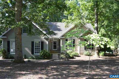 Palmyra Single Family Home For Sale: 257 Jefferson Dr