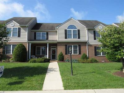 Augusta County Townhome For Sale: 77 Whispering Oaks Dr