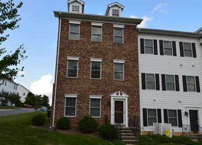 Shenandoah County Townhome For Sale: 137 Flora Vista Ln
