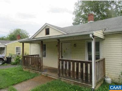 Staunton Single Family Home For Sale: 410 Montgomery Ave