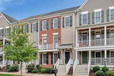 Townhome For Sale: 5365 Golf Dr
