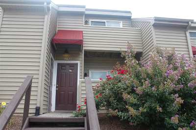 Townhome For Sale: 1352 Bradley Dr