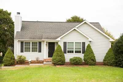 Rockingham County Single Family Home For Sale: 367 Essex St