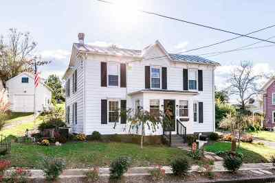 Single Family Home For Sale: 106 2nd St