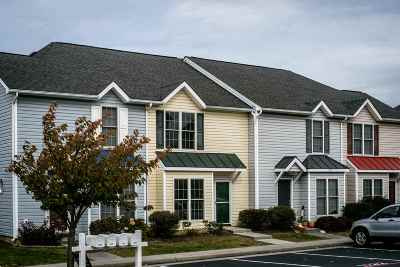 Harrisonburg, Mcgaheysville, Elkton, Bridgewater, Broadway Townhome For Sale: 1122 Patrick Henry Pl