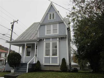 Staunton Single Family Home For Sale: 608 Winthrop St