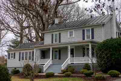 Rockingham County Single Family Home For Sale: 702 Edgewood St