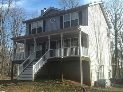 Louisa County Single Family Home For Sale: 2228 Brickhouse Rd