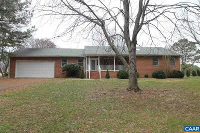 Louisa County Single Family Home For Sale: 126 Woodger Cir