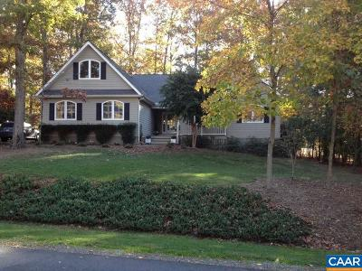 Fluvanna County Single Family Home For Sale: 15 Out Of Bounds Rd
