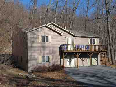 Rockingham County Single Family Home For Sale: 102 Raccoon Ct
