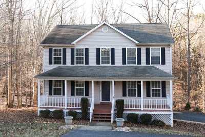 Palmyra Single Family Home For Sale: 8 Fairfield Ct