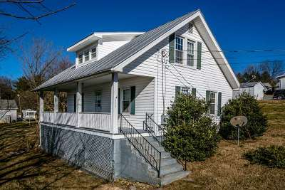 Elkton Single Family Home For Sale: 111 Virginia Ave