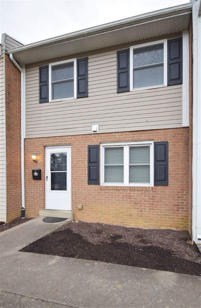 Shenandoah County Townhome For Sale: 1045 South Main St #A-2