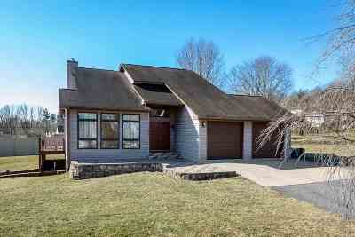 Augusta County Single Family Home For Sale: 104 Valley View Ave