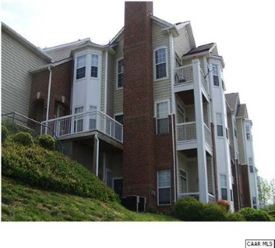 Condo Pending: 1015 Weybridge Ct #204