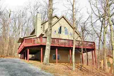 Single Family Home For Sale: 19 Chestnut Ln