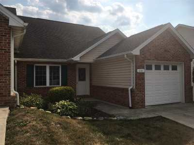 Townhome For Sale: 114 Granny Smith Dr
