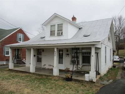 Single Family Home Sold: 424 N Delphine Ave