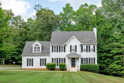 Louisa County Single Family Home For Sale: 373 Keswick Glen Dr