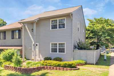 Charlottesville Townhome For Sale: 135 Woodlake Dr
