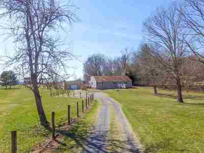 Augusta County Single Family Home For Sale: 558 Vinegar Hill Rd