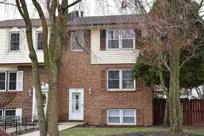 Harrisonburg Townhome For Sale: 223 Wakefield Pl