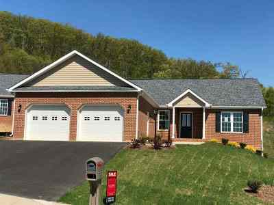 Staunton Single Family Home For Sale: 20 Oak View Dr