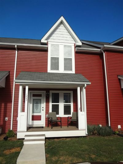 Townhome Sold: 1245 Frost Pl
