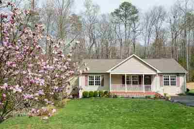 Fluvanna County Single Family Home For Sale: 21 Chippewa Ln
