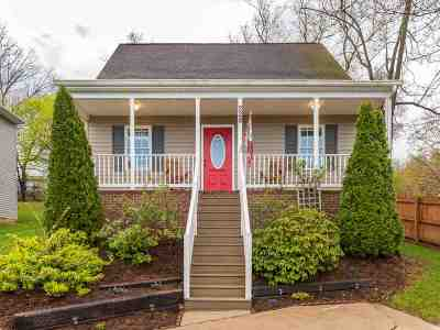 Waynesboro Single Family Home For Sale: 228 S Winchester Ave