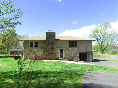 Single Family Home For Sale: 266 Thoroughfare Rd