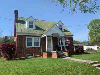 Staunton VA Single Family Home For Sale: $220,000