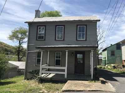 Staunton VA Single Family Home For Sale: $99,900