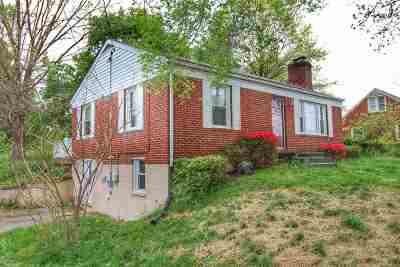 Single Family Home For Sale: 4 Woodland Park Dr
