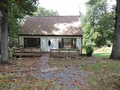 Augusta County Single Family Home For Sale: 147 Chestnut Dr