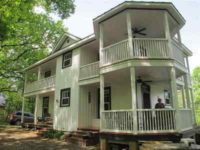 Single Family Home For Sale: 528 Top Ridge Rd