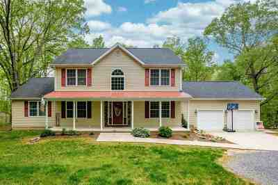 Shenandoah County Single Family Home For Sale: 476 Roundhill Rd