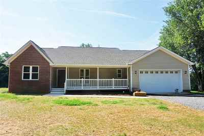 Single Family Home For Sale: 129 Fairlane Dr