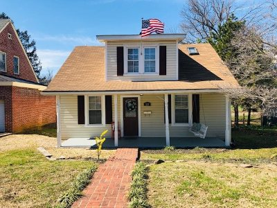 Waynesboro Single Family Home For Sale: 537 Locust Ave