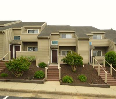 Harrisonburg Townhome For Sale: 1352 Bradley Dr