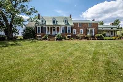 Staunton Single Family Home For Sale: 153 Sugar Loaf Rd