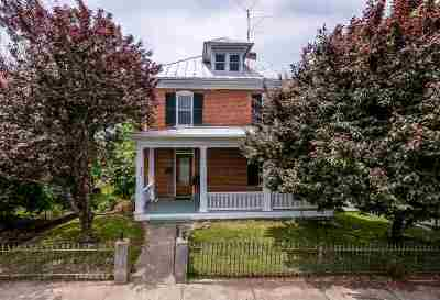 Staunton Single Family Home For Sale: 104 Thornrose Ave
