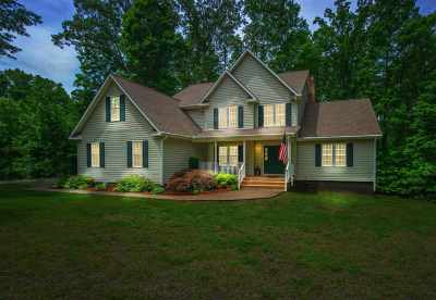 Louisa County Single Family Home For Sale: 201 Fleeter St
